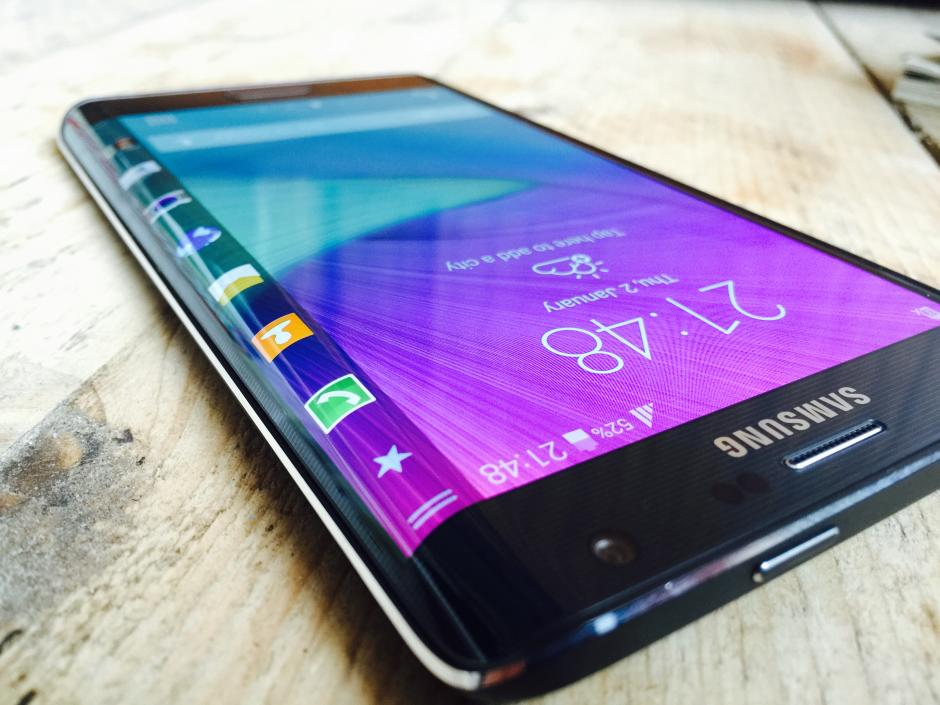 samsung galaxy note edge curved display on one side review tech. Black Bedroom Furniture Sets. Home Design Ideas