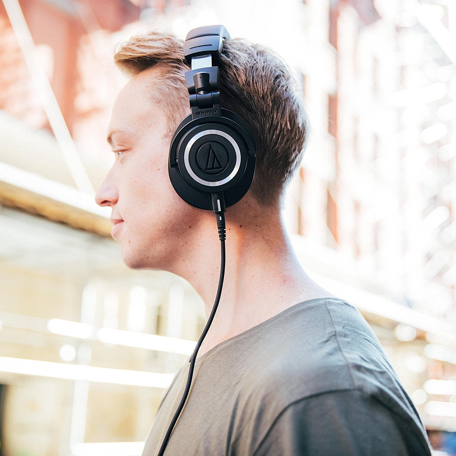 Audio Technica Ath M20 Vs 30 40 50x Which Offers The Best Value M20x Black All Four Of These Headphones Have Closed Back Circumaural Pads That May Sound Complicated But What It Really Means Is Quite Simple